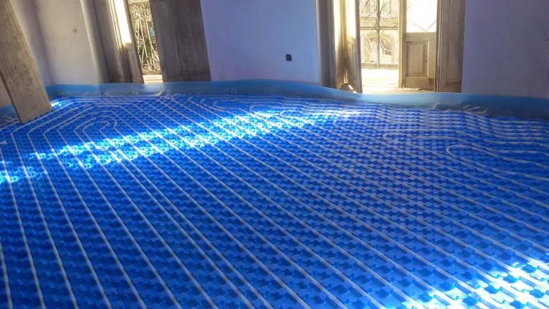 Calefacci n por suelo radiante alta eficiencia celtmas - Como instalar suelo radiante ...